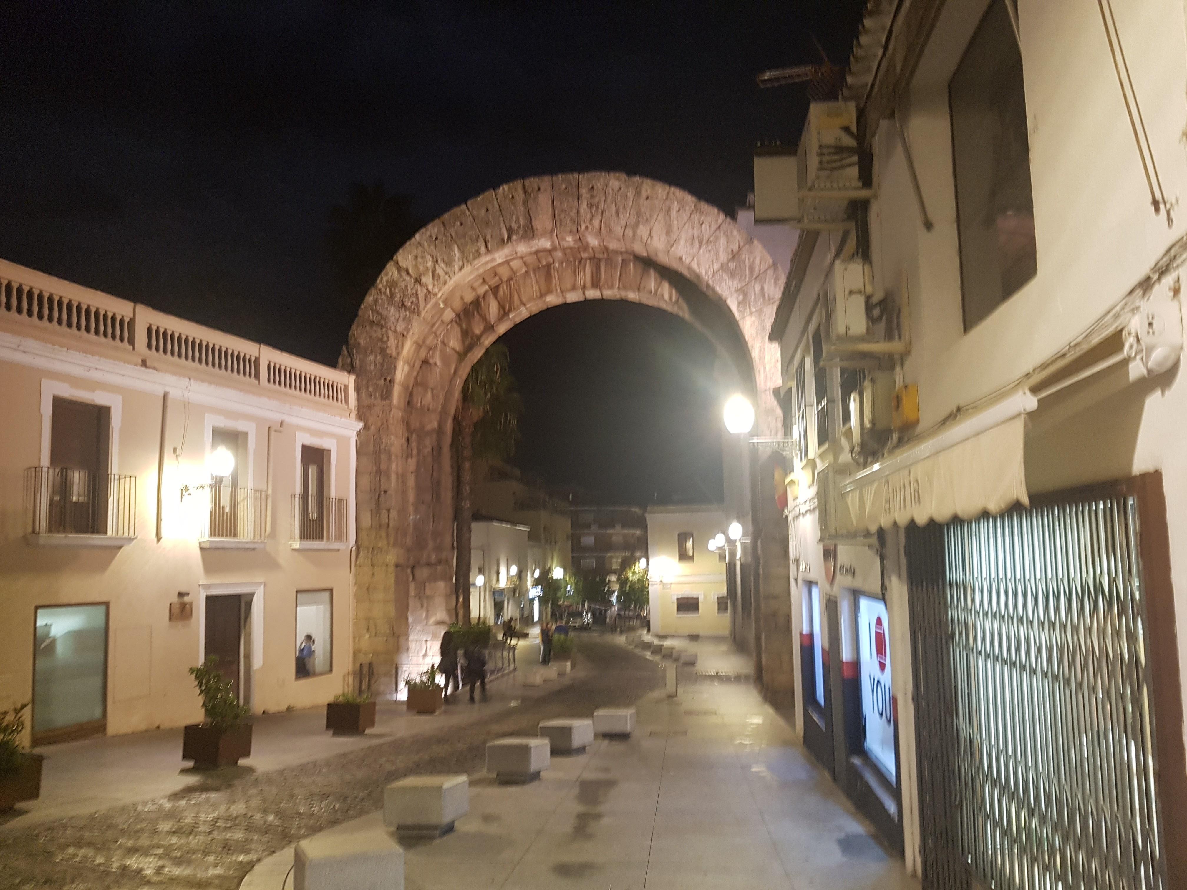 Arco de Trajano en Mérida, muy cerca La Tahona