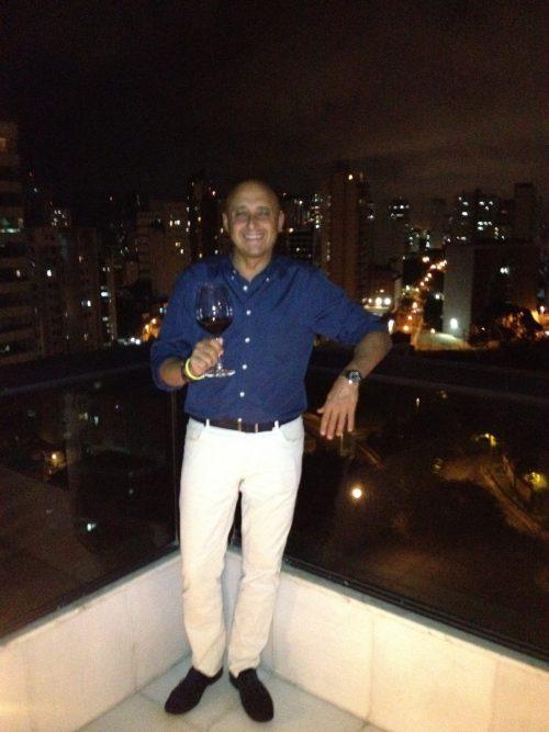 Con Salvador de Bahia al fondo